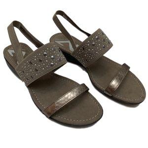 ANNE KLEIN AK SPORT Pewter Gray Stud Sandal 8M NEW